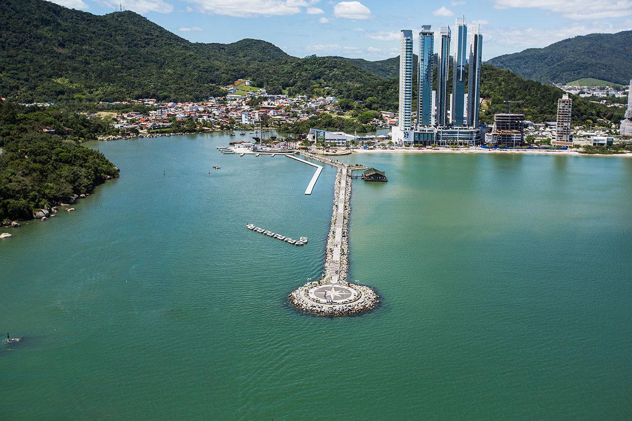 Molhe da Barra Sul Balneário Camboriú