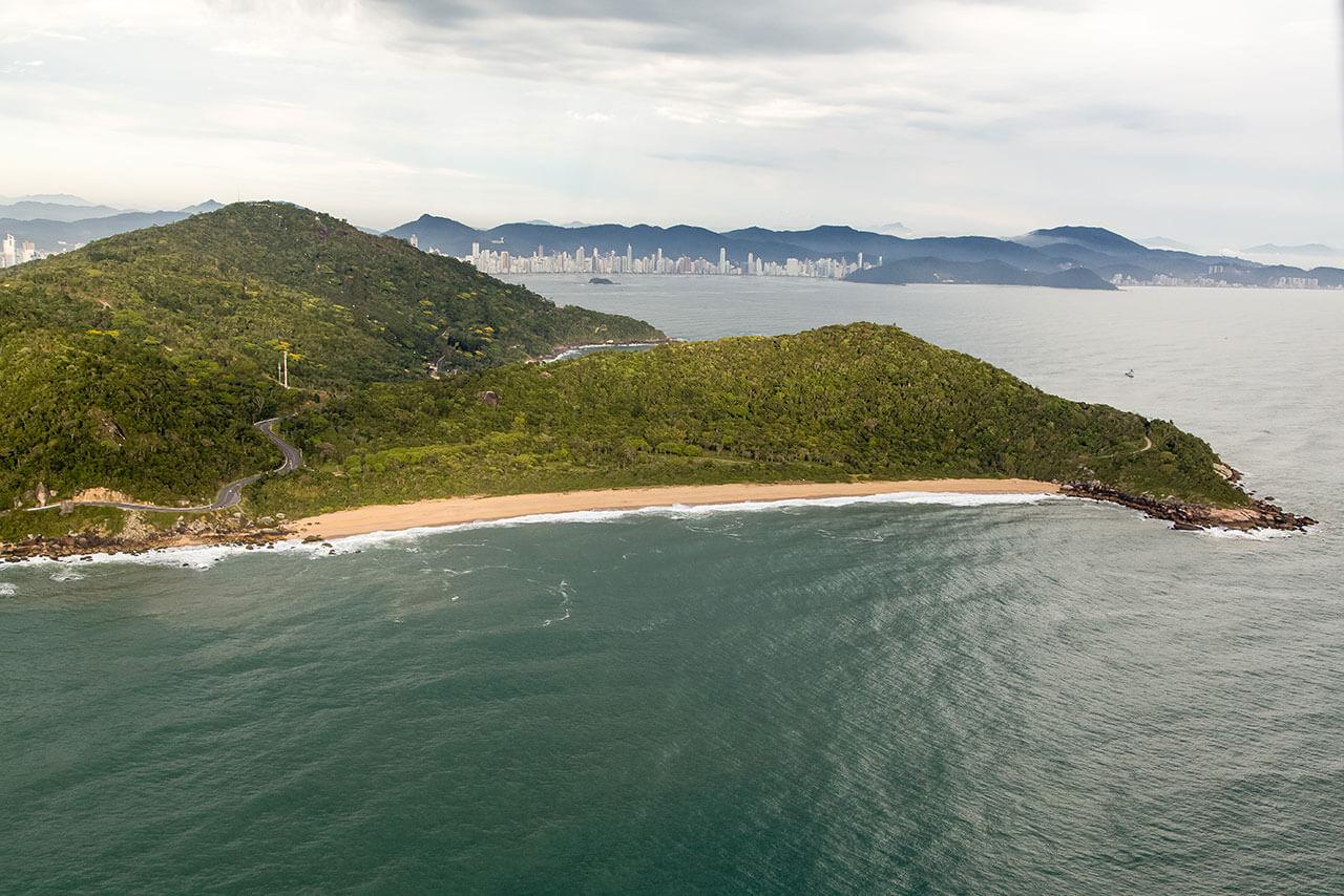 Praia das Taquarinhas Balneário Camboriú