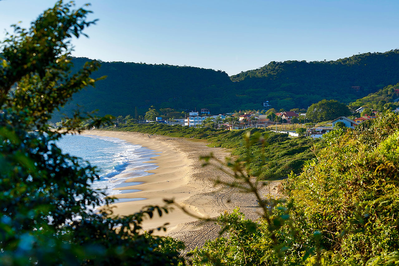 Praia do Estaleirinho Balneário Camboriú